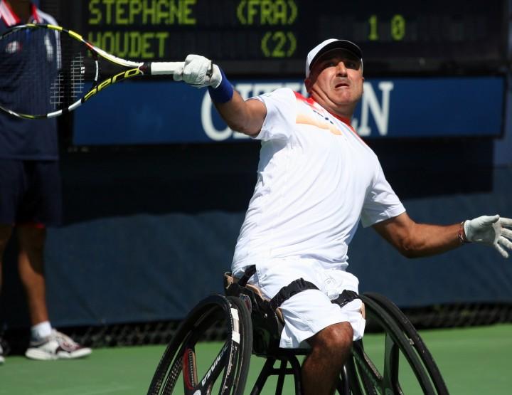 Le tennis en fauteuil : un mix entre tennis et sport mécanique